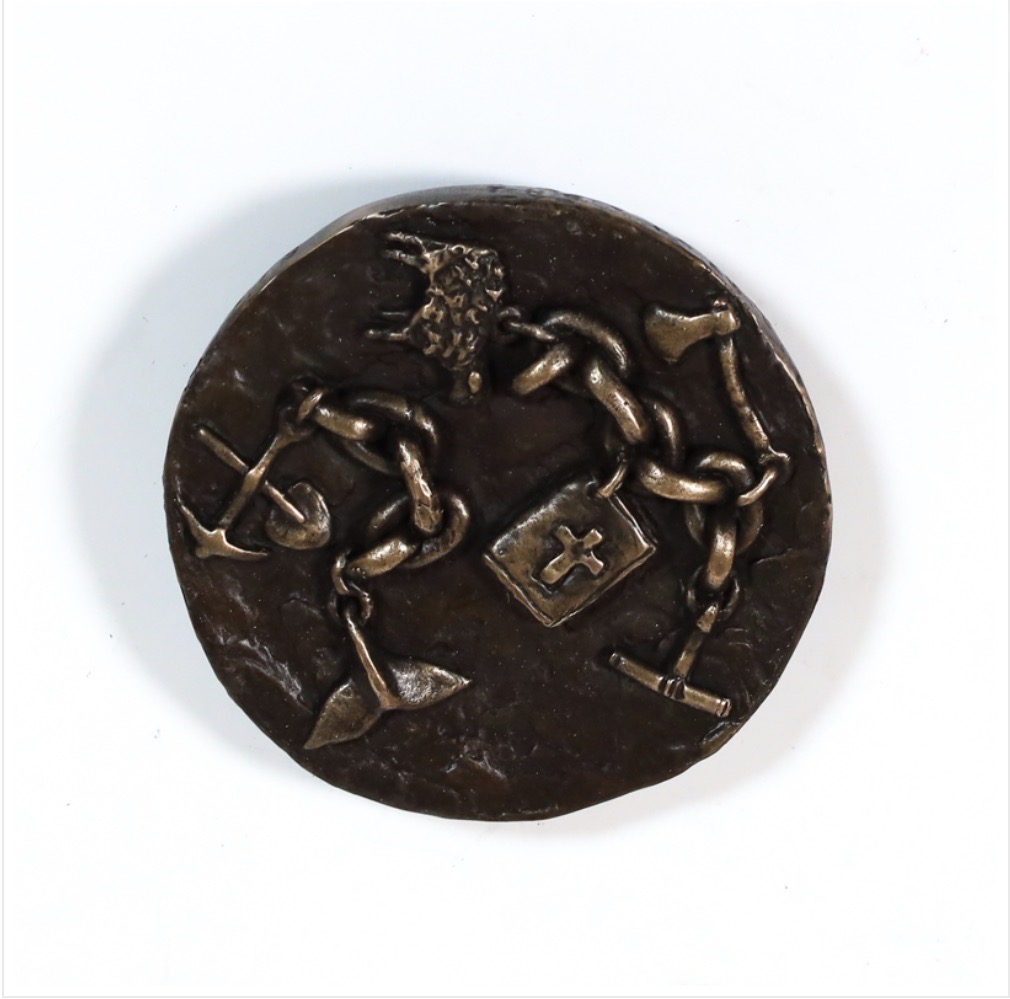 Bronze medallion by Fiona Garlick They Came with Their Seeds, Dreams and Stories Reverse